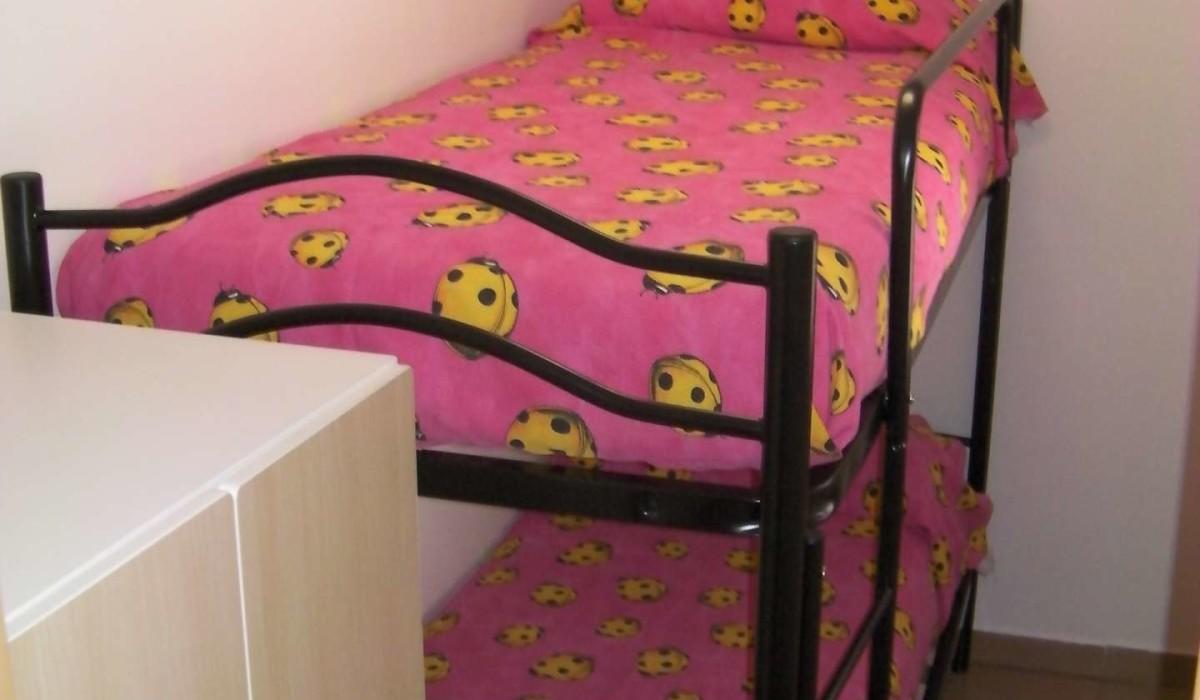 casa vacanze residence maddalena, camera con letto a castello, appartamentino 1- Appartamentino indipendente n° 2