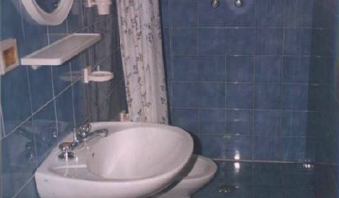 casa vacanze residence maddalena, bagno con doccia