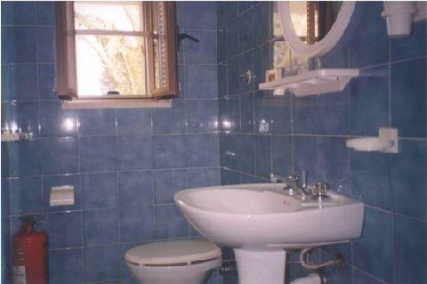 casa vacanze residence maddalena, bagno con doccia, appartamentino
