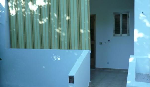 Casa vacanze puglia residence maddalena collocata a metà strada tra vieste e peschici, nel cuore caldo del gargano.