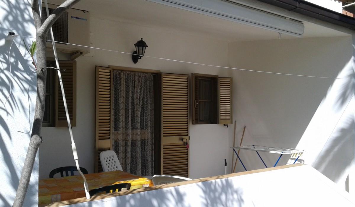 casa vacanze residence maddalena, veranda dell'appartamentino, gargano