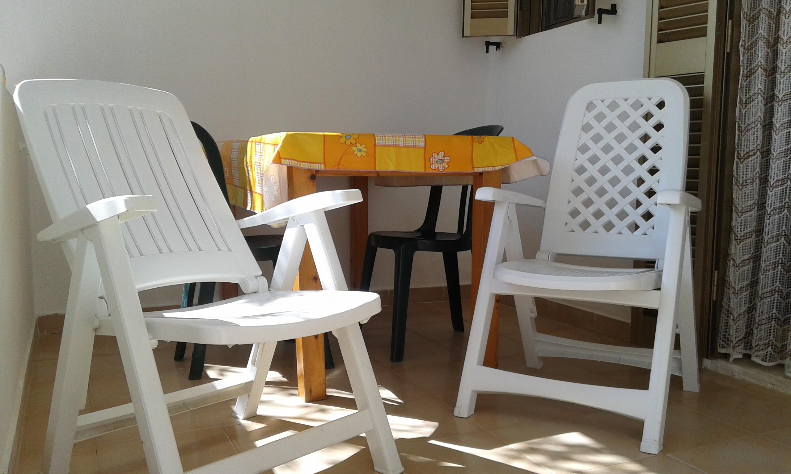 casa vacanze residence maddalena, veranda dell'appartamentino nel gargano